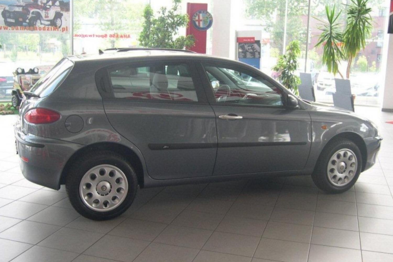 Kofferraumwanne Anti-Rutsch für Alfa Romeo 147  3//5-TÜREN ohne Audiosystem