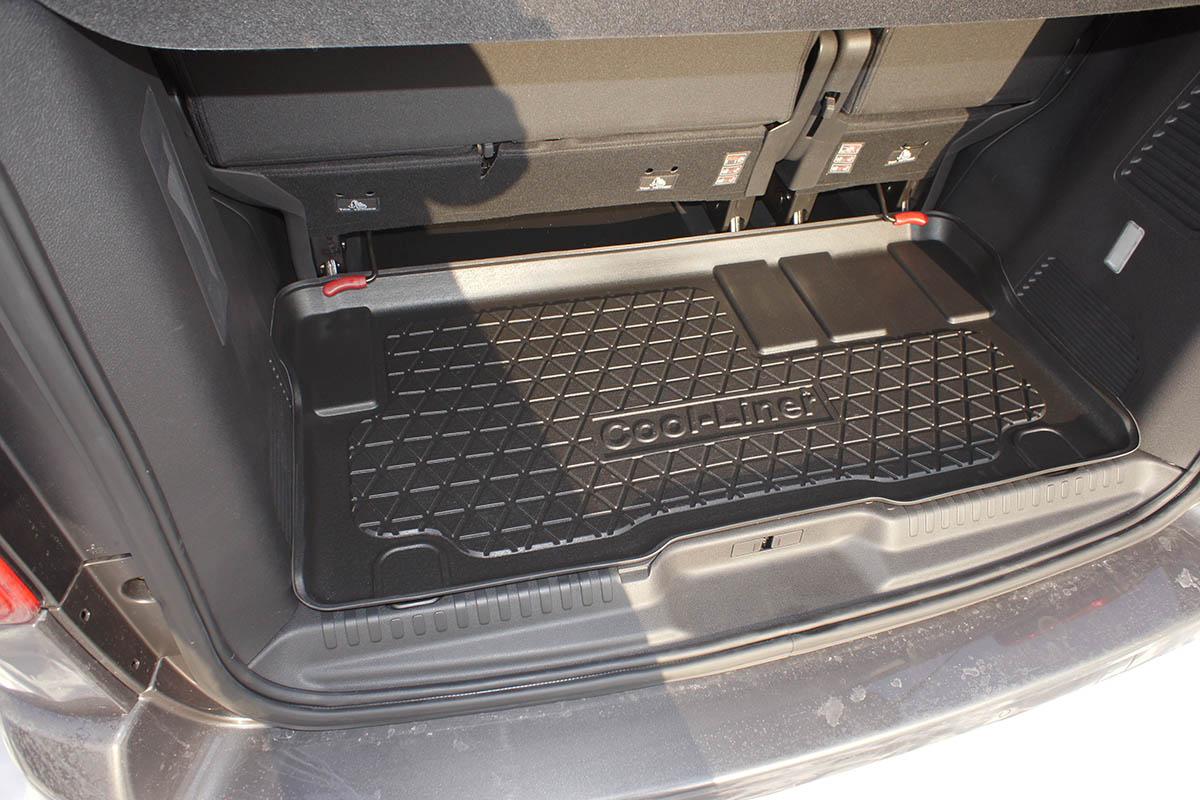 Toyota ProAce L2 Sitzreihe hinter der 3 Kofferraumwanne // Laderaumwanne