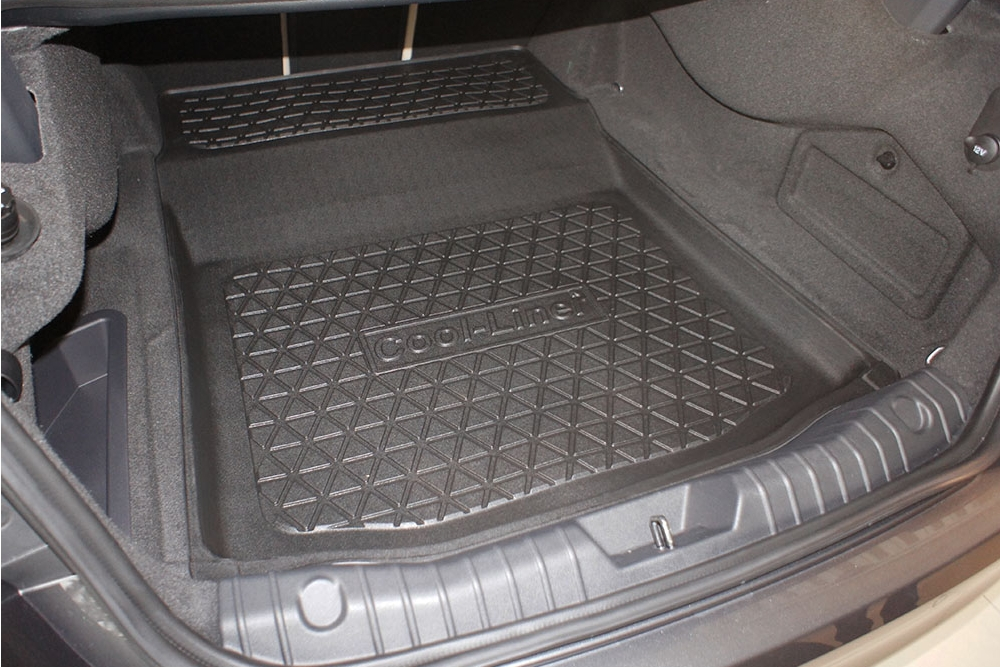 Connected Essentials Tailored Custom Fit Heavy Duty Automotive Carpet Boot Mat Boot Liner for X Type 2001 Onwards Black with Black Trim