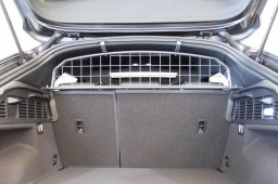 aud1q2dg-audi-q2-ga-2016-dog-guard