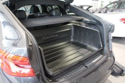BMW 6 Series GT (G32) 2017-present 5-door hatchback Carbox Classic YourSize 106 high sided boot liner (BMW16SCC) (3)