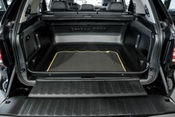 BMW X5 (F15) 2013-2018 Carbox Classic high sided boot liner (BMW4X5CC) (1)