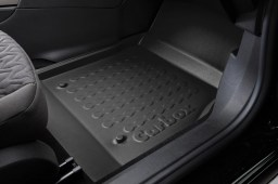Example - Carbox car mat PE rubber - front-right - black (2)
