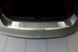 Skoda Rapid (NH3) 2012-> 5-door hatchback rear bumper protector stainless steel (SKO3RABP) (1)