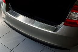Skoda Rapid (NH3) 2012-> 5-door hatchback rear bumper protector stainless steel (SKO3RABP) (2)