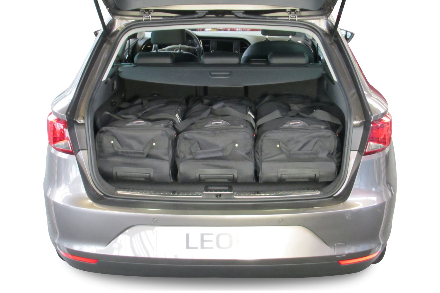 leon st 5f 2014 present seat leon st 5f 2014 present car bags travel bags. Black Bedroom Furniture Sets. Home Design Ideas