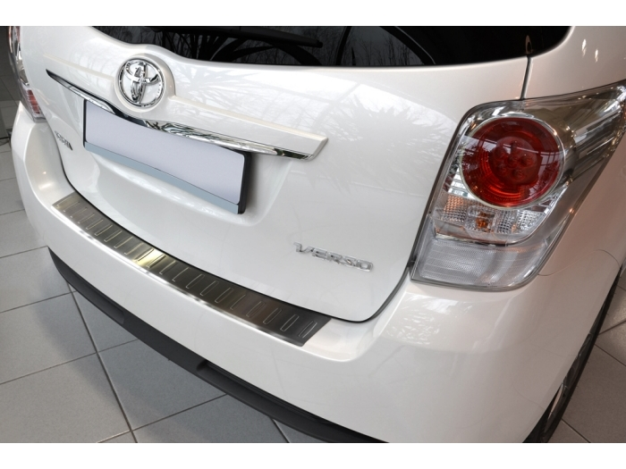 Rear bumper protector Toyota Verso I 2012-present stainless steel
